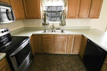 14101 Kentwood Forest Dr, Chester, VA 23831