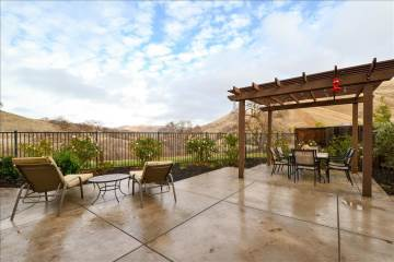 9019 Tee Box Court, Patterson, CA 95363