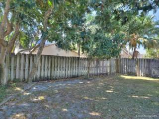 3700 Nw 20Th St, Coconut Creek, FL 33073