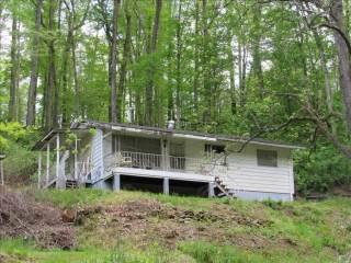 901 12 S Ruffner Road, Charleston, WV 25314