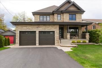 894 Scott Dupuis Way, Ottawa, ON K1C 3