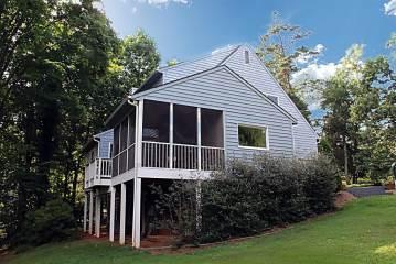 2750 Willow Oaks Cir, Charlottesville, VA 22901