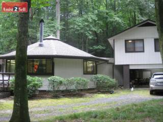 797  South Toe River Rd, Burnsville, NC 28714