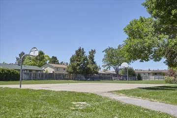 2051 Carlee Dr, Pueblo, CO 81005