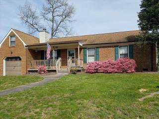 745 Colony Dr, Chesapeake, VA 23322