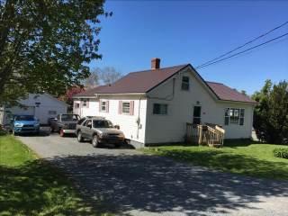 26 Beaver Bank Cross Rd, Middle Sackville, NS B4E 1