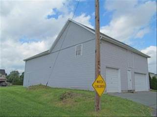 4732 Troxell Dr, Whitehall, PA 18052