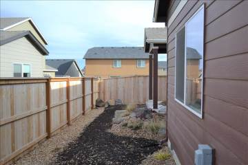 502 Se Glengarry Place, Bend, OR 97702