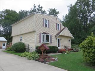 1810 James Rd, Oregon, OH 43616