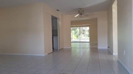 11761 68Th Ave , Seminole, FL 33772