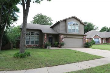 200 S Redbud Pl, Broken Arrow, OK 74012