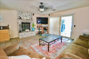 43810  Palm Vista Ave, Lancaster, CA 93535