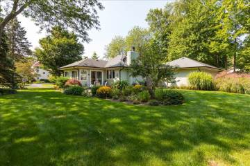631  Grand St, Saugatuck, MI 49453