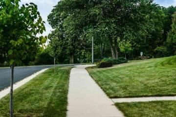 106 Meadow Ridge Ln, Madison, WI 53704