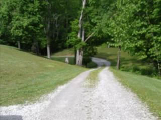 9160 Coal River Road, Saint Albans, WV 25177