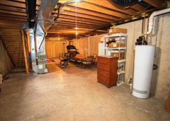 404B Park Place Ct, Waterford, WI 53185