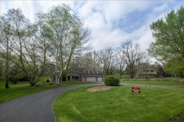 W220 S7715 Crowbar Dr, Muskego, WI 53150