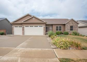 Photo of 1126 Wild West Drive  Le Claire  IA