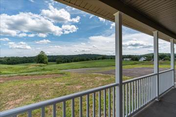 664 Golf Course, Birdsboro, PA 19508