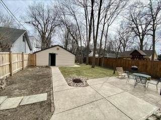 577 Woodruff Place Middle Drive, Indianapolis, IN 46201