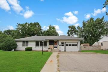Photo of 322 9th Street N  Cannon Falls  MN