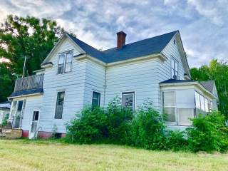 Photo of 325 N Knowles Avenue  New Richmond  WI