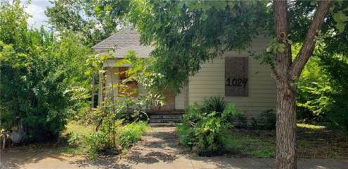 Photo of 1024 E Leuda Street  Fort Worth  TX