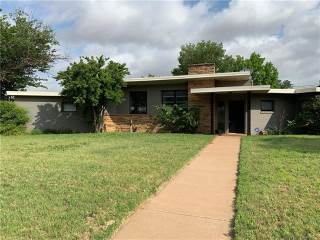 Photo of 701 E Burnside Street  Rotan  TX