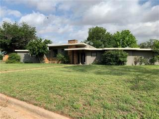 701 E Burnside Street, Rotan, TX 79546