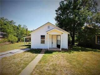 Photo of 618 E Heron Street  Denison  TX