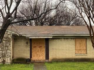 Photo of 9701 Glengreen Drive  Dallas  TX