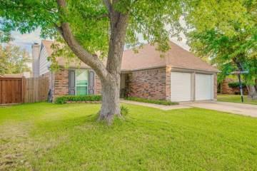 528 Lemon Drive, Arlington, TX 76018