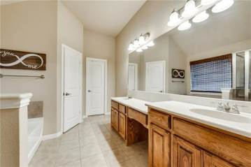 111 Brook Hollow Lane, Red Oak, TX 75154