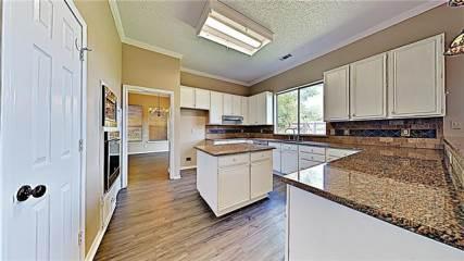 2805 Redstone Drive, Arlington, TX 76001