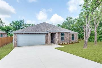 Photo of 105 Sycamore Court  Runaway Bay  TX