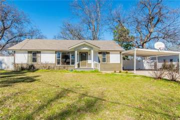 Photo of 308 E Main Street  Pilot Point  TX