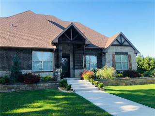 141 Country Club Road, Decatur, TX 76234