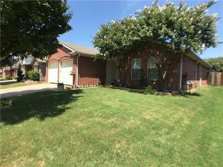 1813 Crested Butte Drive, Fort Worth, TX 76131