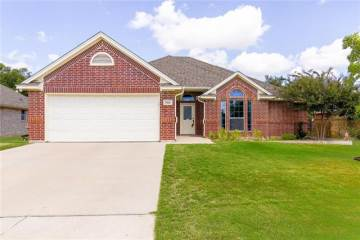 Photo of 512 Westgate Drive  Aledo  TX