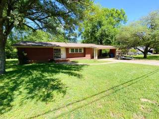 Photo of 509 Fleming Drive  Mount Pleasant  TX