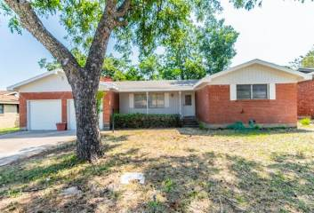 Photo of 836 Lee Drive  Bedford  TX