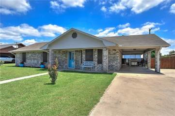 Photo of 122 Amy Court  Collinsville  TX