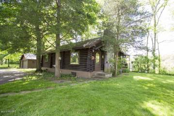 Photo of 2908 E Riverside Road  Buchanan  MI