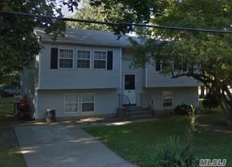 Photo of 587 Patchogue Ave  Bellport  NY