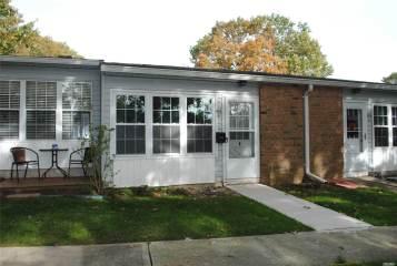 Photo of 424B Woodbridge Dr  Ridge  NY