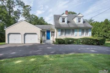 Photo of 151 South Country Rd  Remsenburg  NY