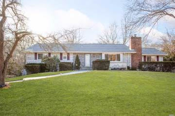 Photo of 407 S Country Rd  Brookhaven  NY