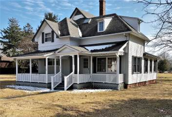 Photo of 36 S Woodlawn Ave  East Moriches  NY