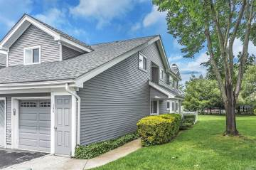 Photo of 190 River Dr  Moriches  NY
