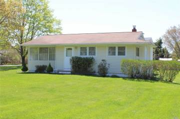 Photo of 88 Atlantic Ave  East Moriches  NY